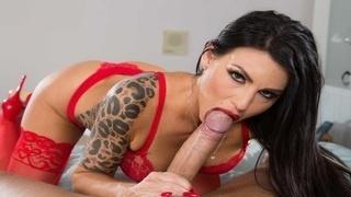 Шальной секс с прекрасной брюнеткой в красном белье